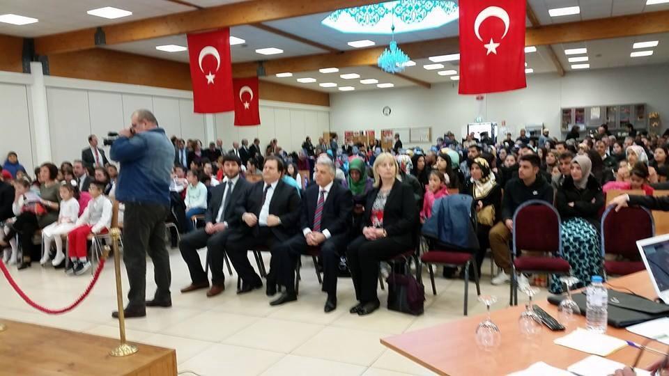 DİTİB Konferans Salonunda İstiklal Marşı ve Mehmet Akif konulu bir proğram icra edildi